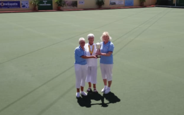 Gillian and Helen receiving their cup winning Champion of Champions Ladies Pairs 2019