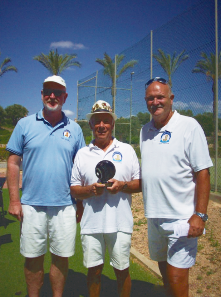 Captain v President match. Mark Bettcher, Jim Coughlan with trophy and Colin Appleton